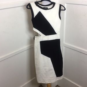 Guess dress black and white size 4